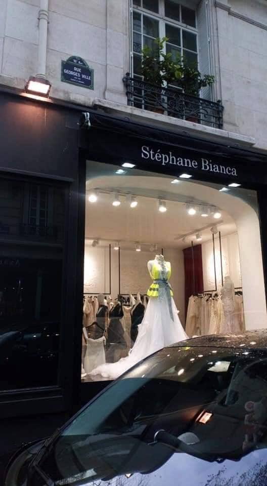 robe de mariée gilet jaune newsjacking
